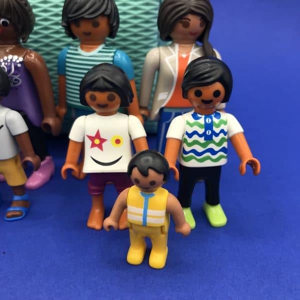 Playmobil-gezin-donker