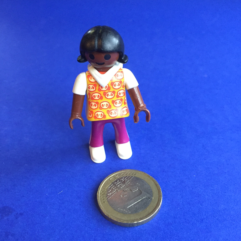 Playmobil-meisje-getinte-huid