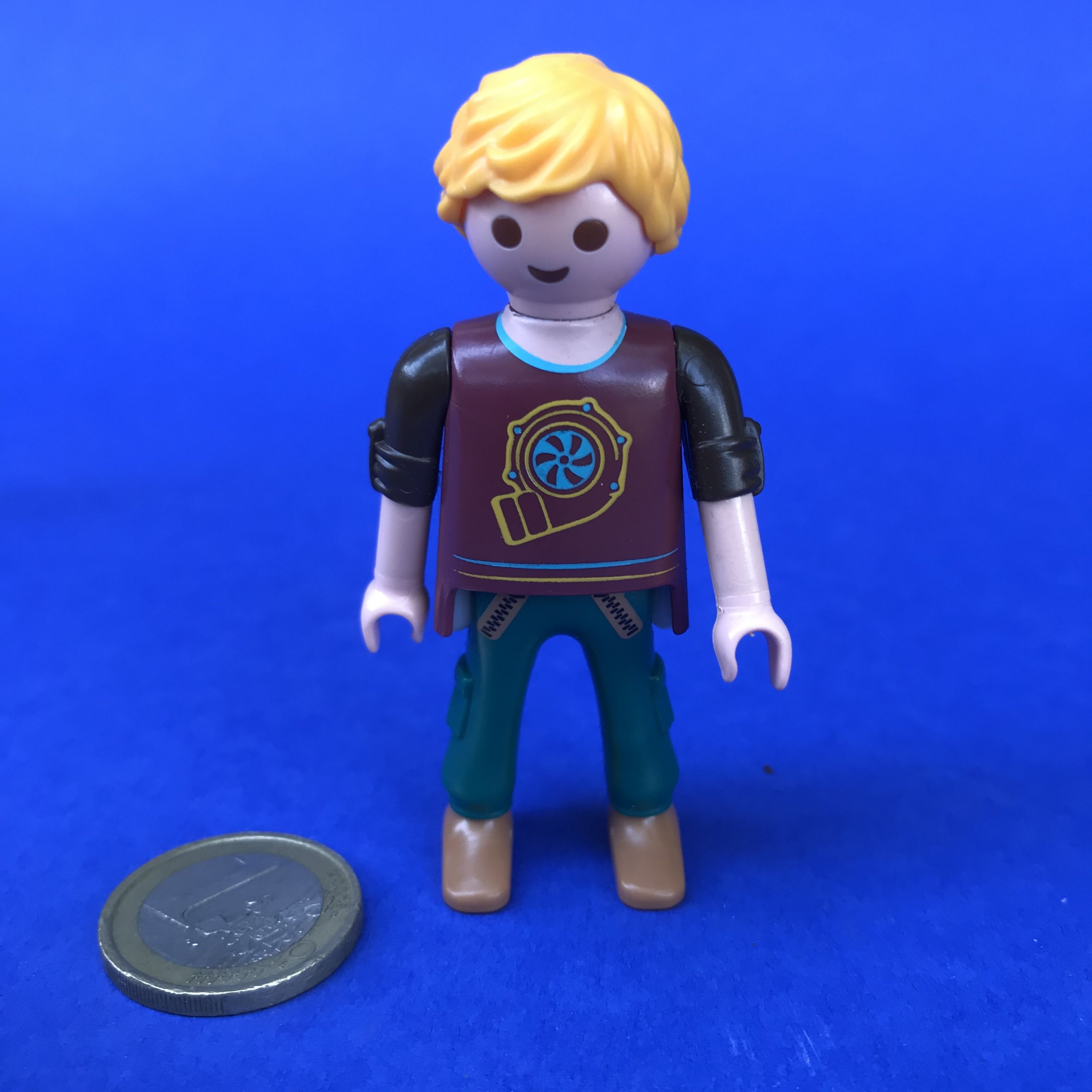 Playmobil-man-blond