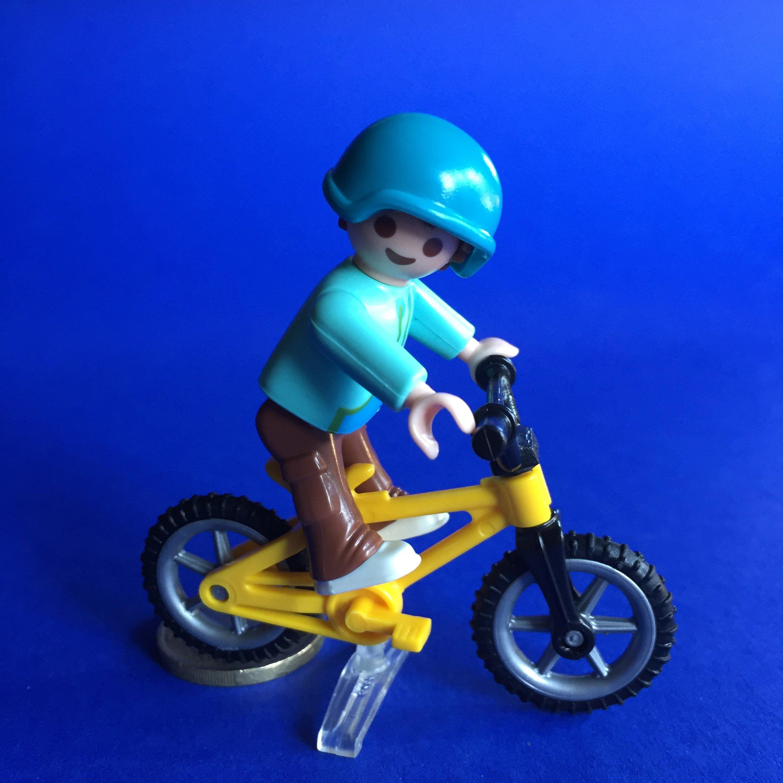 Playmobil-jongetje-fiets