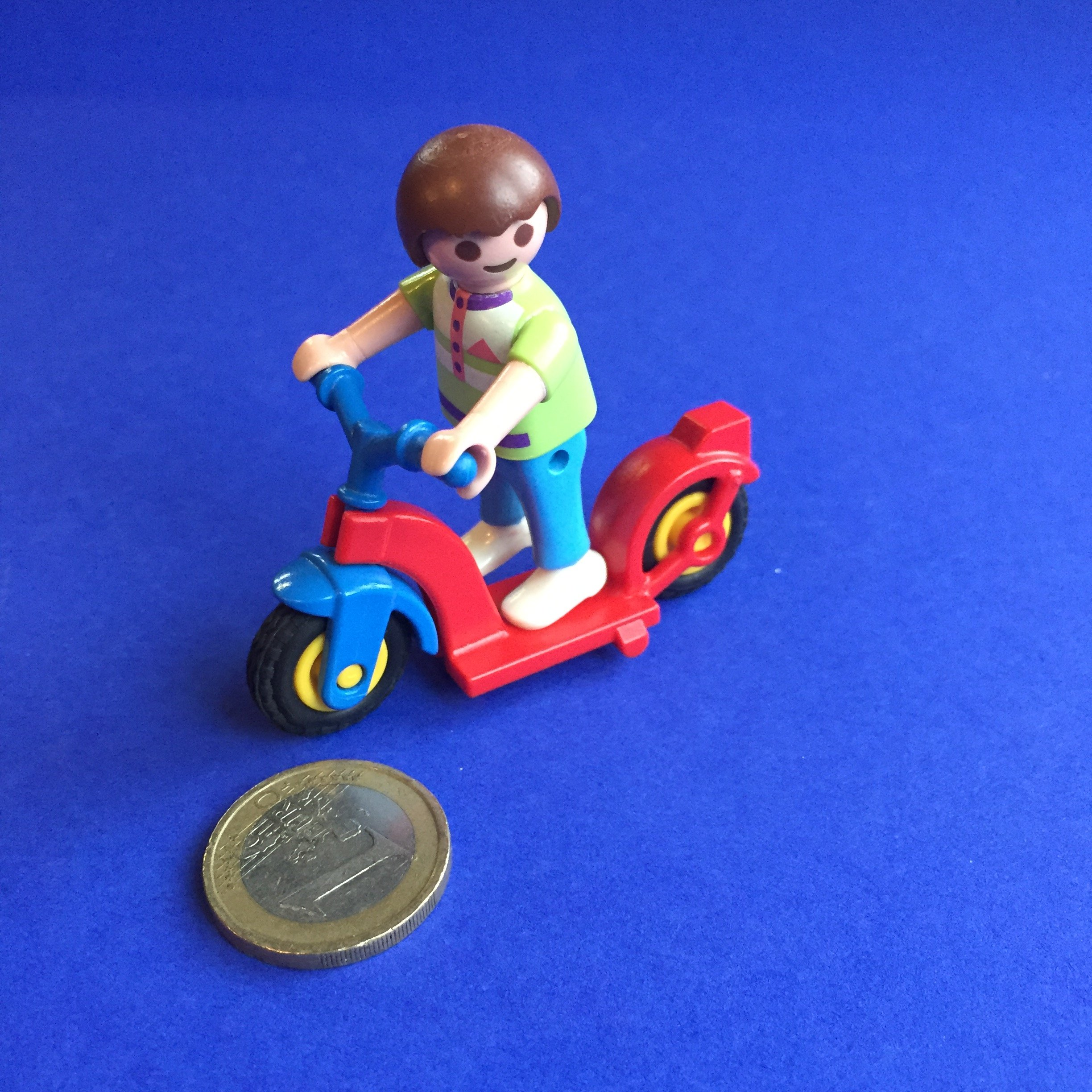 Playmobil-jongetje-step
