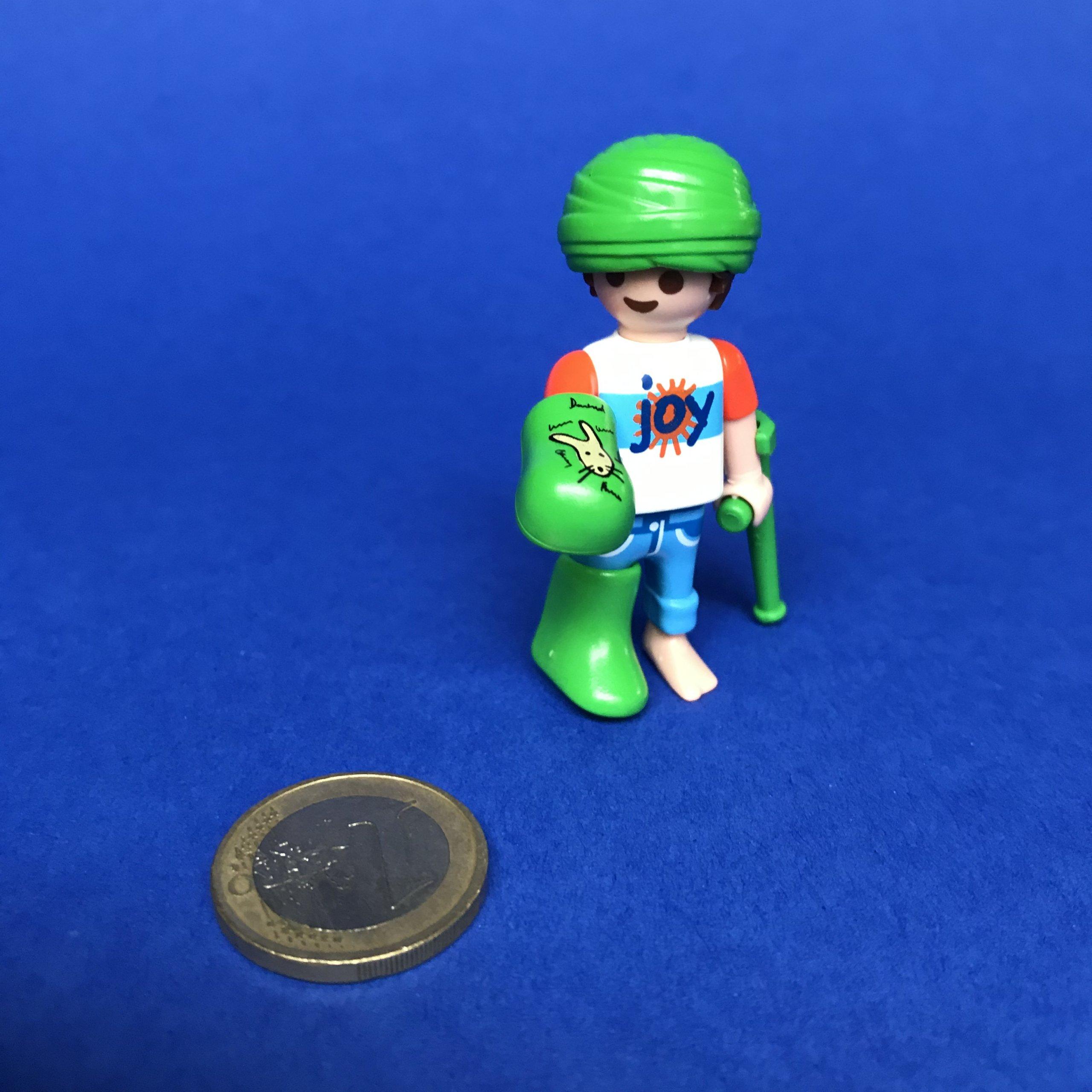 Playmobil-jongen-gips